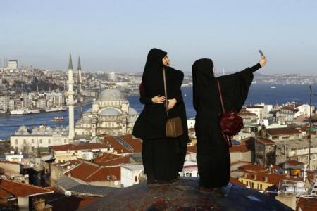 Ευσέβεια, εξουσία Τουρκία